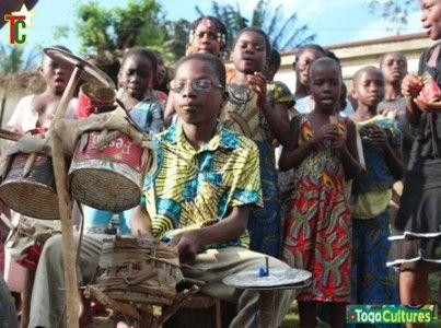 Vous avez dit batterie ? Jeu d'enfant au Togo !