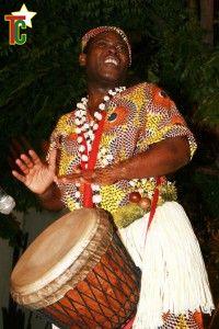 La danse et la percussion de Koffi Méhouémé au Mexique