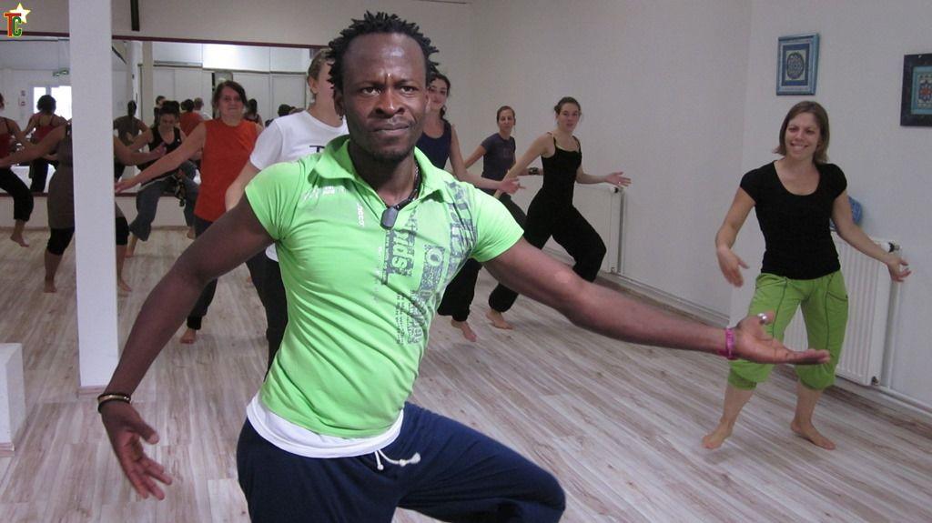 Interview de Komi Hola Akakpo-Adzaku « Un danseur sans formation n'est rien »