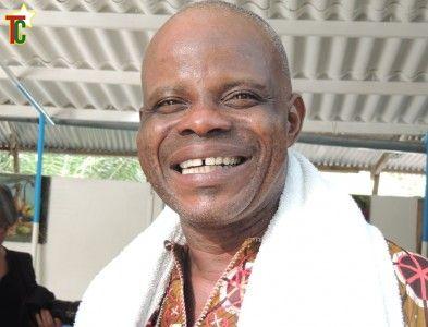 Azé Kokovivina, le prêtre vaudou togolais dans le journal El Pais en Espagne
