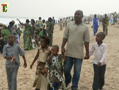 Les habitants de Lomé et la mer