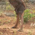 Aklakou: faire pipi dans la rue, la stratégie féminine