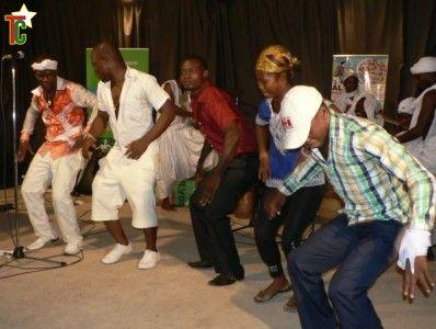 Ape'son transforme le Goethe Institut en un village d' Agbadja