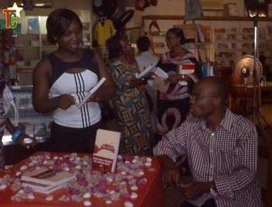L'écrivain Edem à la Librairie Star à Lomé
