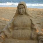 Bob Attisso crée Marie de sable à la Plage de Lomé © Togocultures