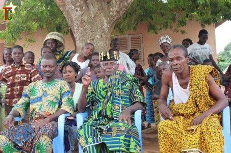 Asafo Hine de Yometchin au milieu Photo: Gaëtan Noussouglo