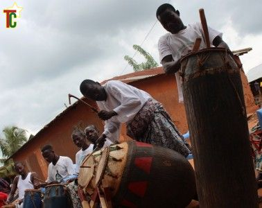 Atopani ou Acrobou ou Atavougan le tam-tam parlant Photo: Gaëtan Noussouglo