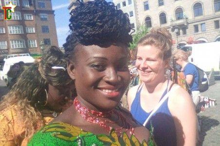 La Comédienne Josiane Térémé représente artistiquement les Nanas Benz à Copenhague au Danemark