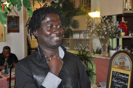 Togo: Azangounon Togbévi Nador amène rythmes et chants vaudou dans les cloitres