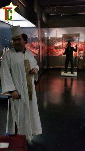 Bernard Muller, guide loufoque, va à la rencontre du diorama Gaëtan Noussouglo