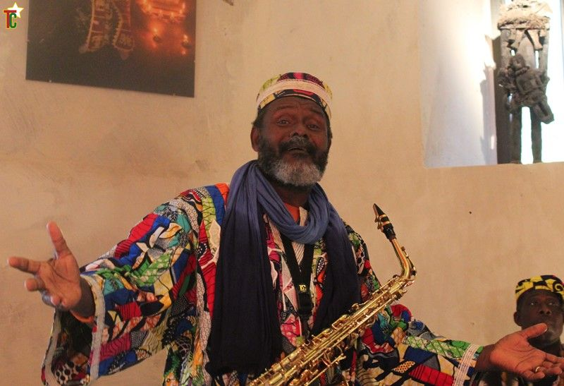 Béno Kokou Allouwasio Sanvee contant à Strasbourg Photo: Gaëtan Noussouglo