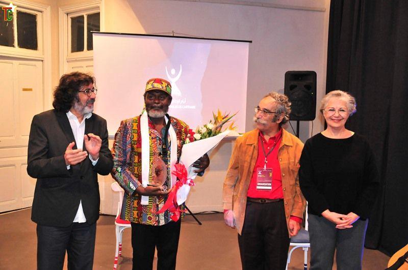 Béno Kokou Sanvee au milieu honoré aux JTC Photo: Festival JTC Tunis