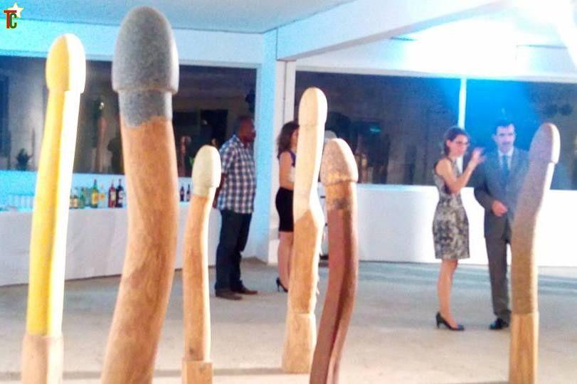 69 sculptures phalliques d'Emmanuel Sogbadji remontent à l'origine du monde